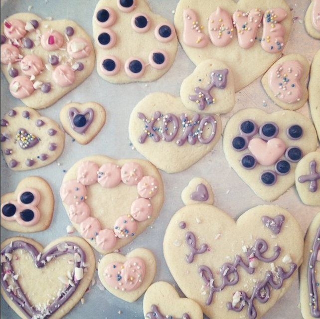 Caitlin Betsy Bell | Valentines cookies