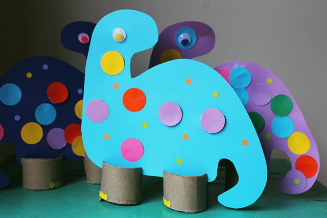 Caitlin Betsy Bell | DIY Dinosaur